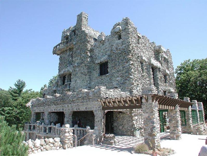gilette-castle-1